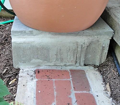 rain barrel base