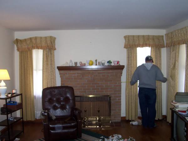 House 1 Living Room Before